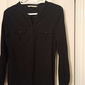 Old navy black top with pockets *